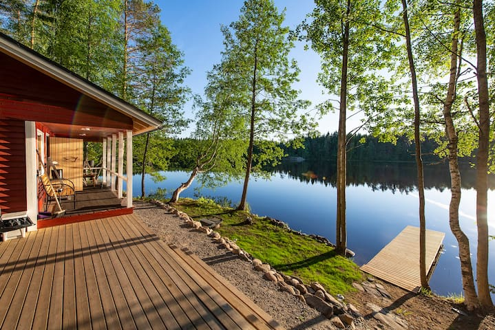 Lingonberry Small Cottage with Sauna