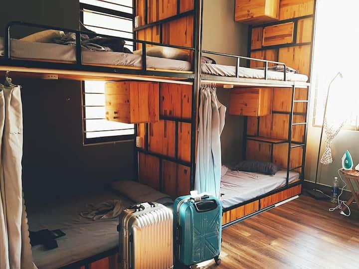 Lala Homestay Danang Dorm 1 - Bunk bed 2