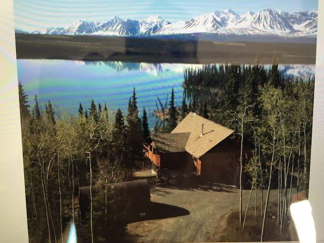 Twin's Room on Pine Lake