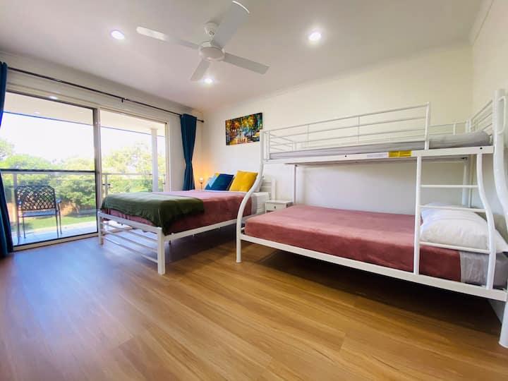 Sunny Home Apartment