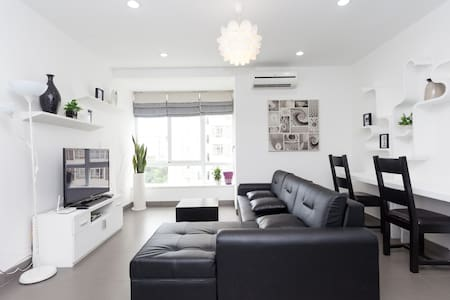 4) Newly decorated 2-br APT with beautiful view - District 7 - コンドミニアム