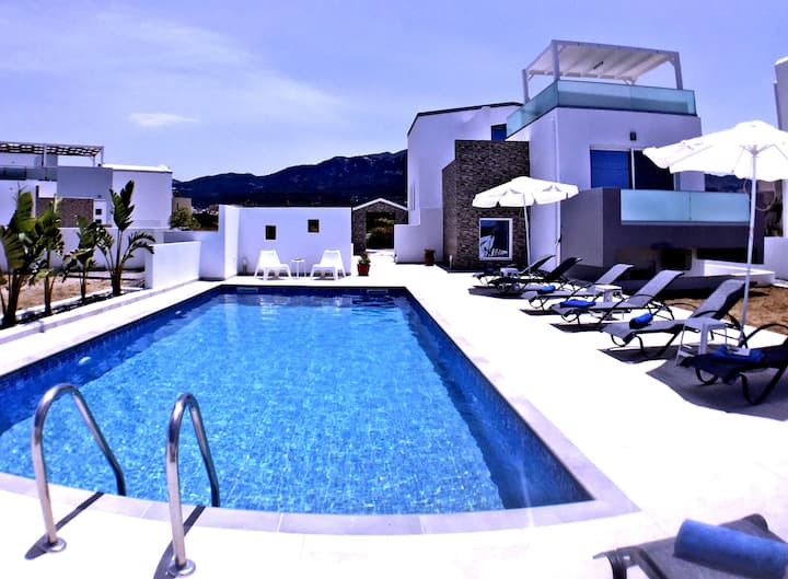 XENOS VILLA 4 - LUXURY VILLA WITH PRIVATE POOL