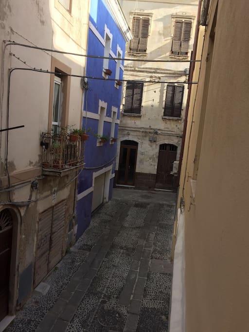 Via lamarmora incrocio via al Carmine