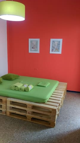 Pallets House, double bed - Santa Cruz de Tenerife - House