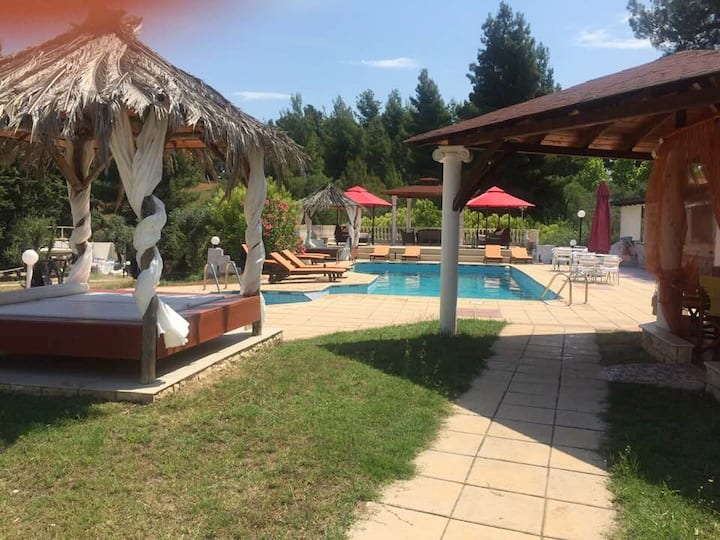 Villa Askamnia resort mit Pool, GYM,BBQ,80m Meer,