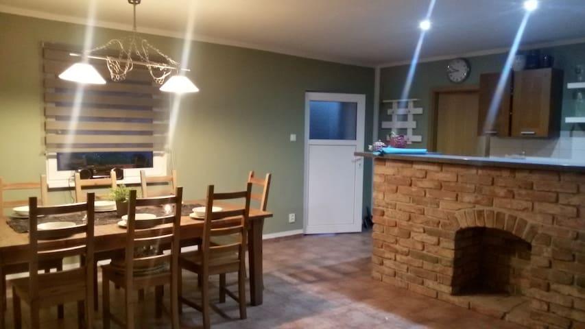 PRAHA -Nehvizdy, Útulné ubytování v bungalovu - Nehvizdy - Bungalow