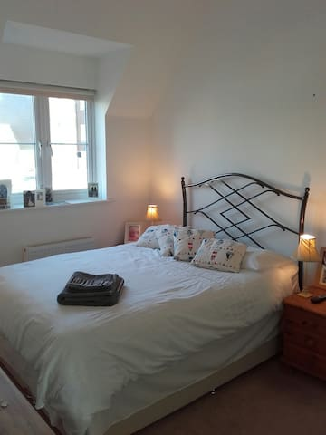 Modern light and airey Coach House - West Sussex - Дом