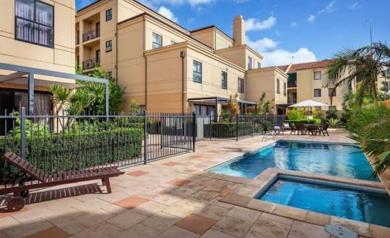Perth CBD Unit + Ground Floor + Pool + Free Parkin