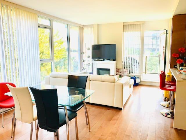 @ UBC 2 bedrooms Luxury apartment