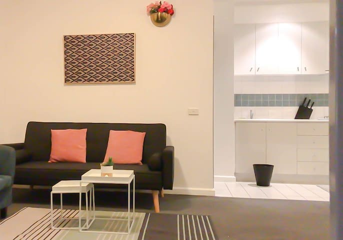 Private Room Suite/WIFI@Heart of Melb.City Central