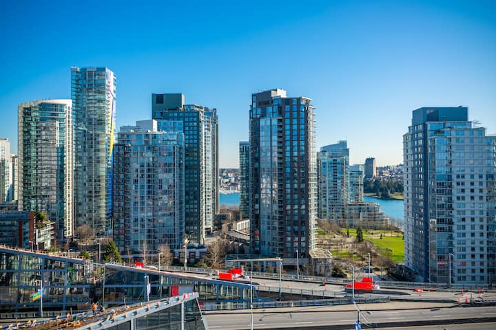 Luxury 1BR w/ Great View in Downtown Vancouver