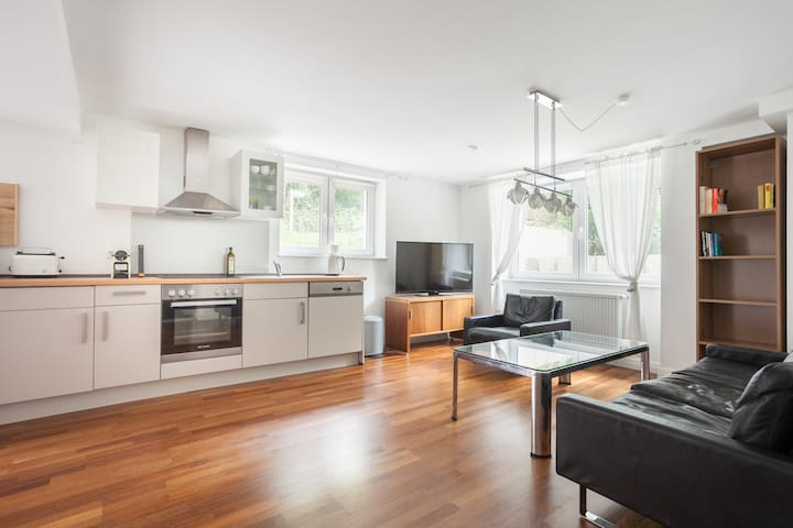 2-room flat, ideal for Frankfurt Fair