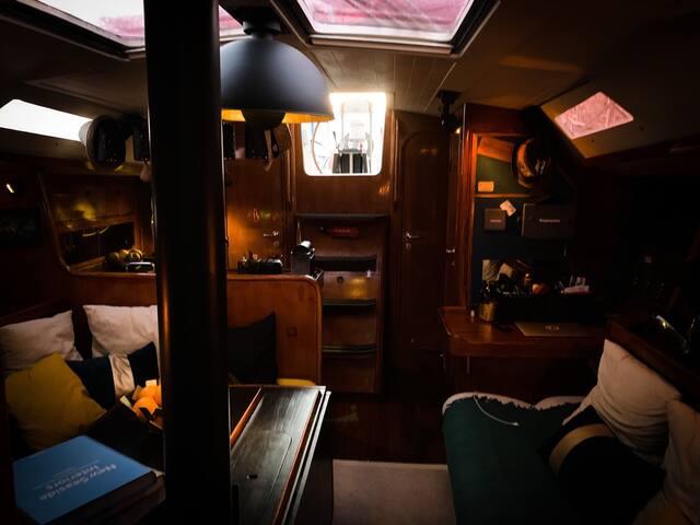 Bateau de Charme, 3 cabines Vieux Port