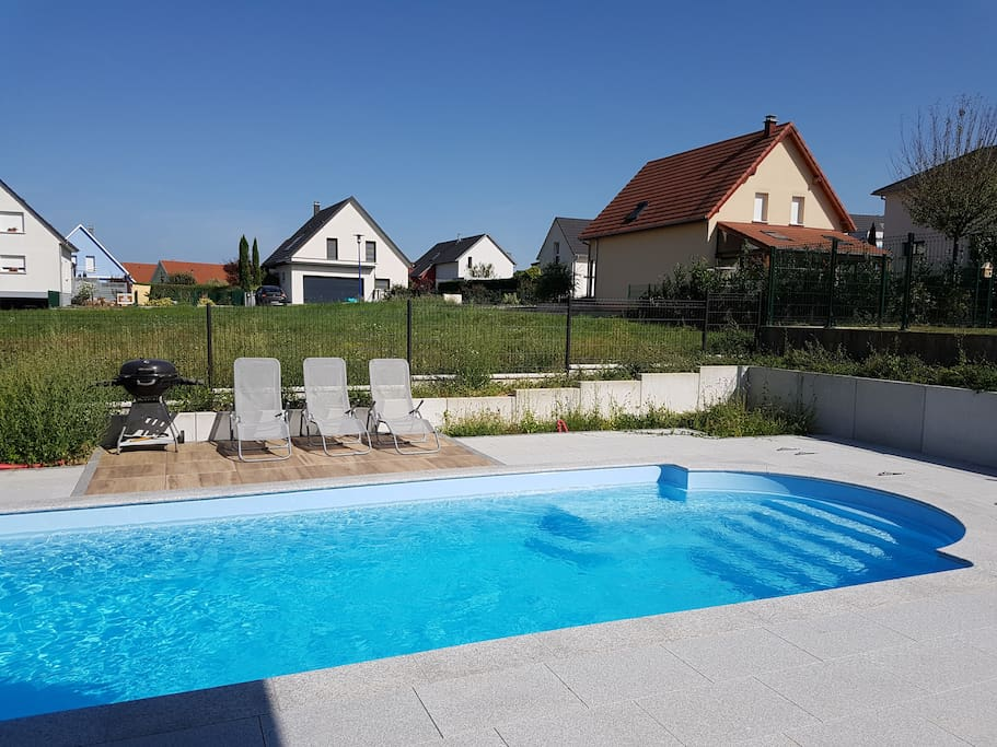 Pool - Terasse hinten - Terrace in the back