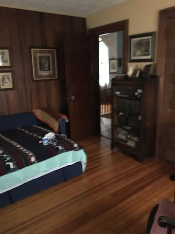 Comfortable Bedroom in Montclair easy NYC commute