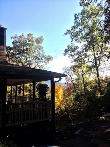 Mountain retreat with lake fishing - Hiawasse  - Huis