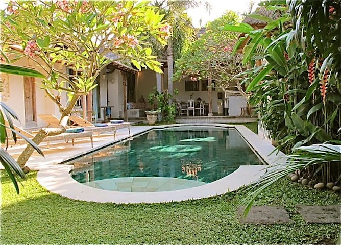 Lovely villa ! Great Large pool !
