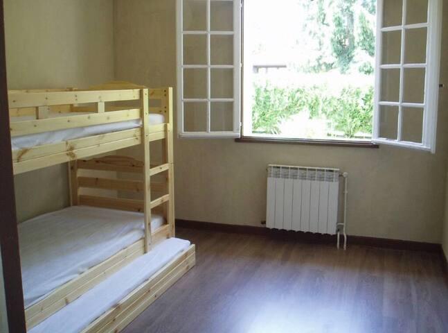 Chambre lit gigogne