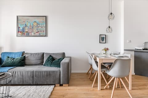 Modern and Minimalist Apartment Close to Central Warsaw