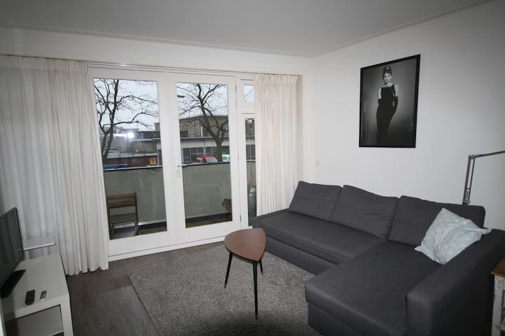 Modern balcony apartment in Utrecht-Expats welcome