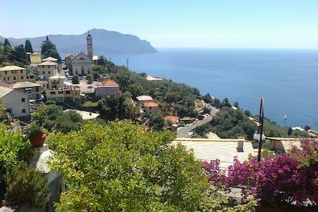Vacanza vistamare in villa con giardino - Pieve Ligure - วิลล่า