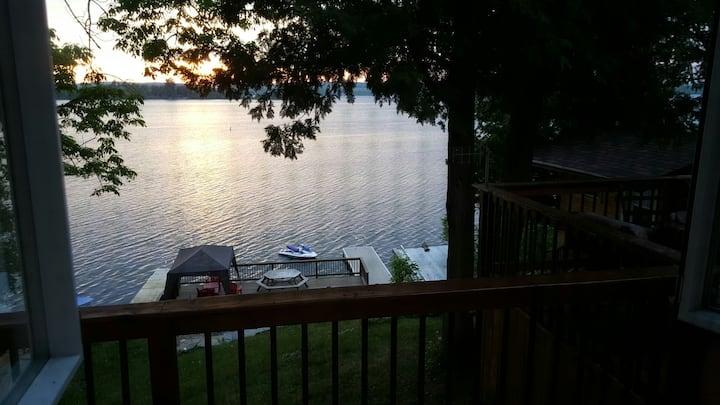 Waterfront Cottage on Rice Lake