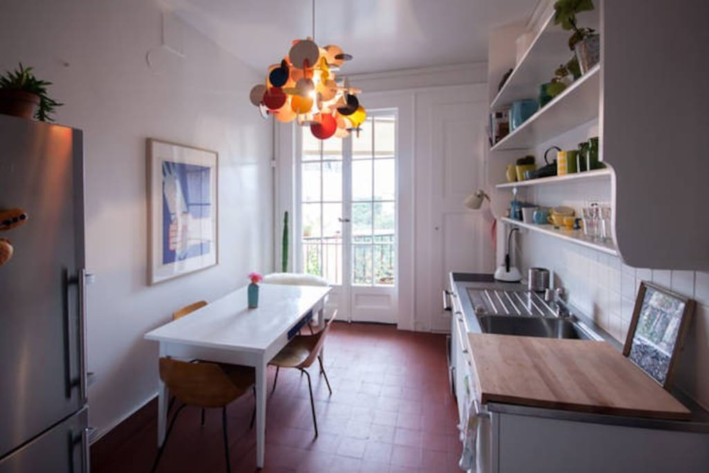 Fully equiped kitchen with access to the second terrasse