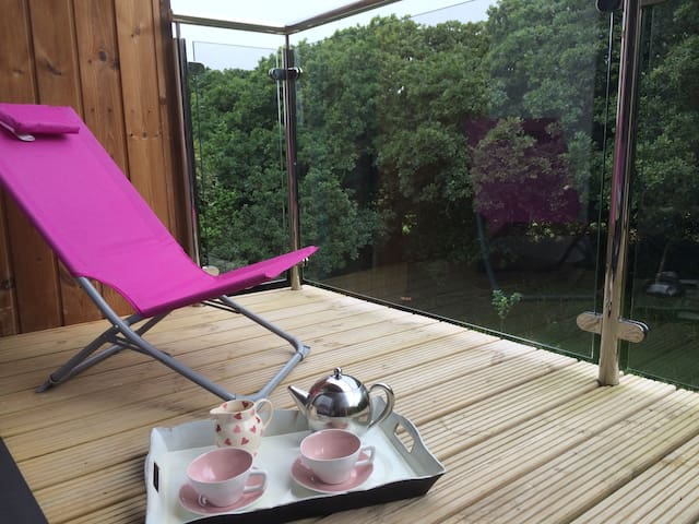 Close to beach 2 bedrooms  ensuite - Falmouth  - Hus