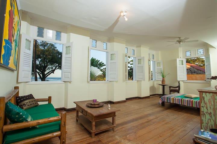 Casarao Amarelo Apartment