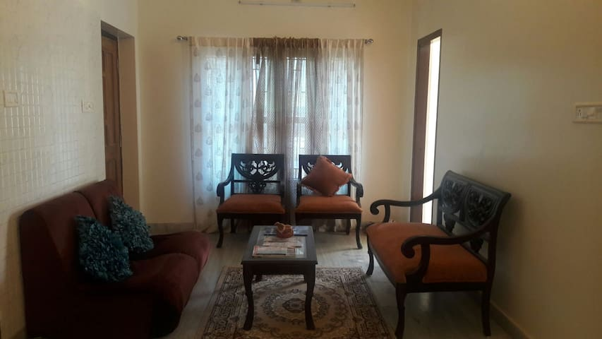 Cozy & elegant apt in posh locality - Bhubaneswar - Apartment