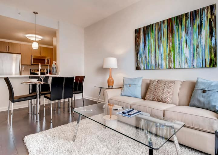 One Bedroom Apartment by the Jersey City PATH