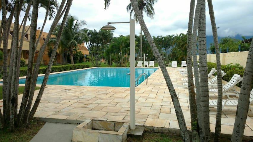 Casa em Condomínio Pé na Areia - São Sebastião - Dom