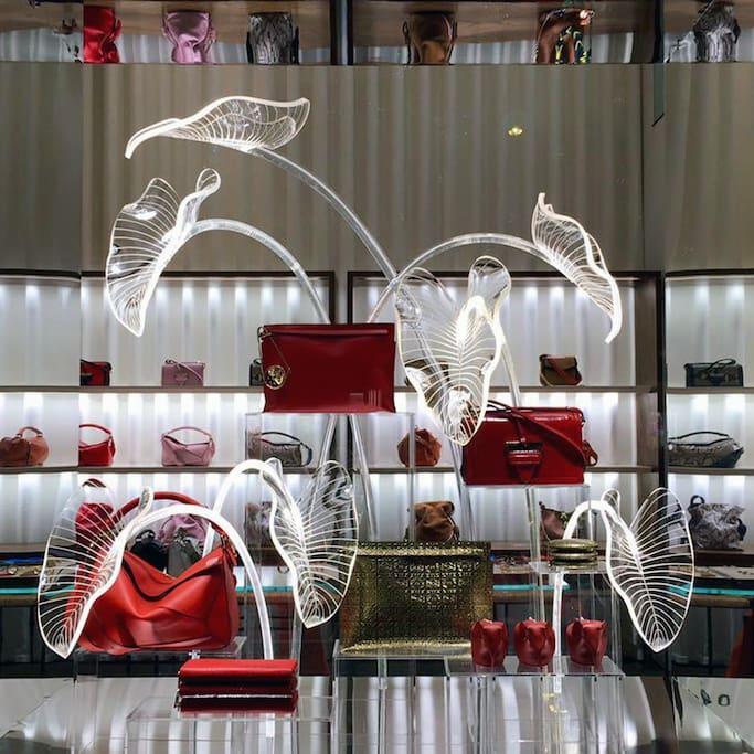 Bilde av LOEWE Paris Montaigne Store