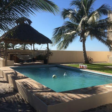 "Beachfront ""Villa Tortuga"" - Cuyutlán - House"