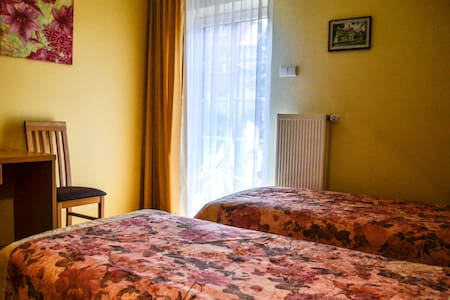 Cozy room rent in Birstonas city center - Birštonas - Pensió