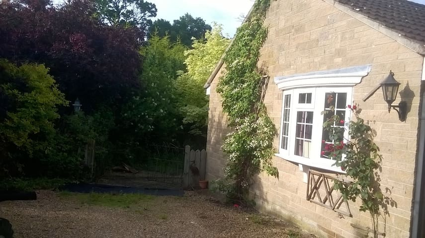 Comfortable Double room, quiet rural location.