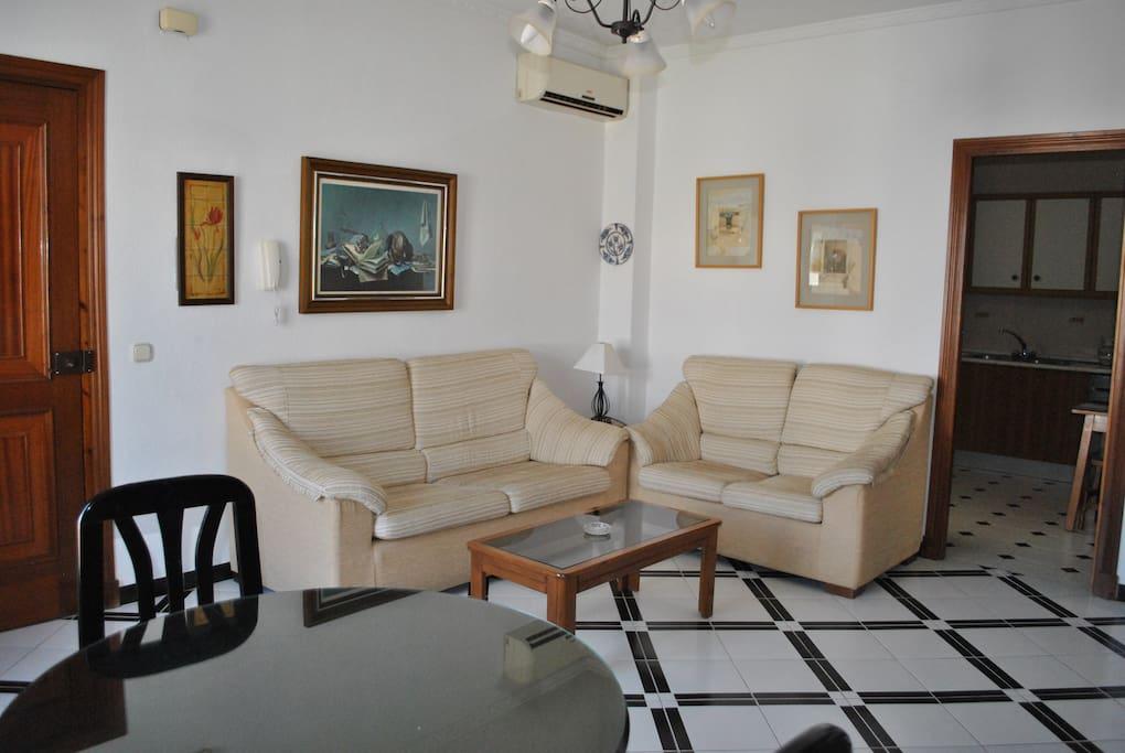 Living Room 3/4