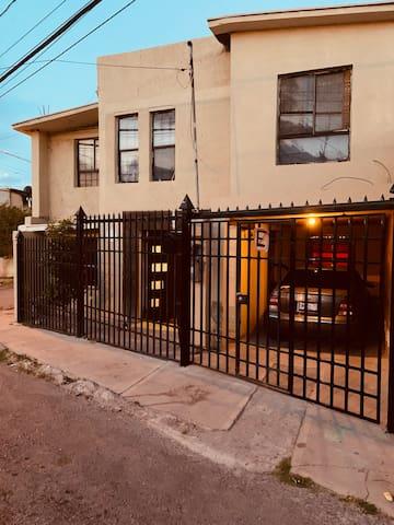 Casa R-Linares