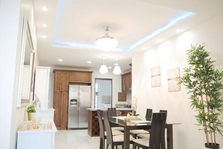 MonteCarlo luxurious apartment at Romana del Oeste