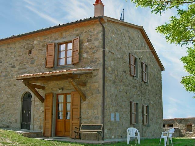 Titena 2-room apartment 80 m² in Castel del Piano