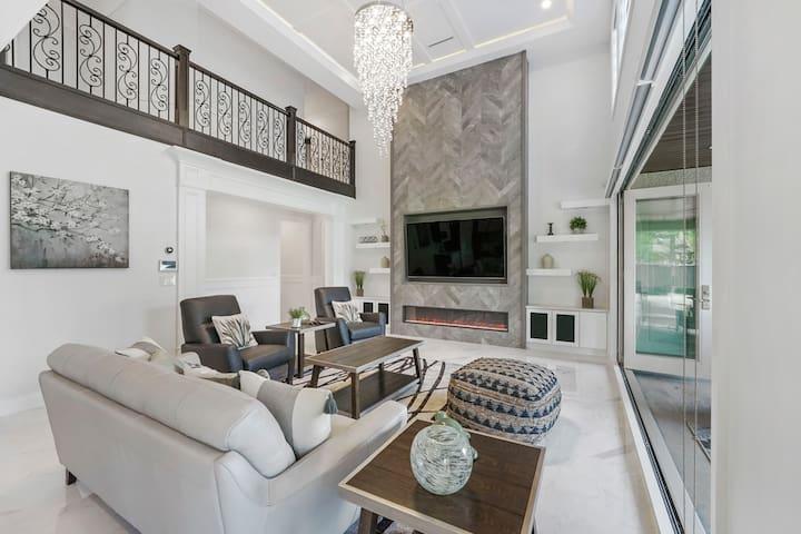 Luxurious Mansion in Richmond  Sleeps 16+