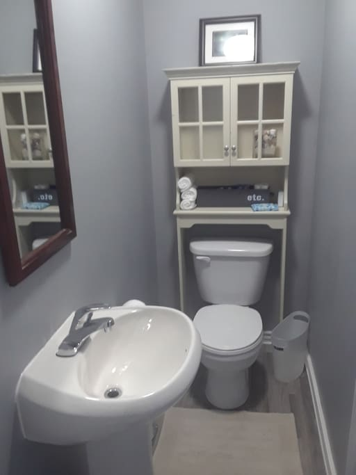 small washroom with stand-up shower