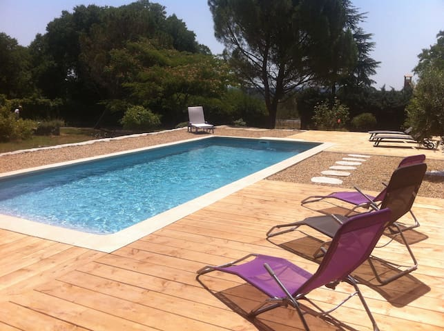 Charmantes Landhaus mit Pool - Corconne - 一軒家