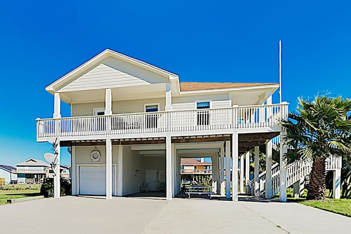 New Listing! Family-Friendly Gem - Walk to Beach!