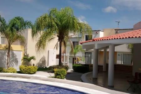 Casa Los Sauces, Cuautla, Morelos - Cuautla - Hus
