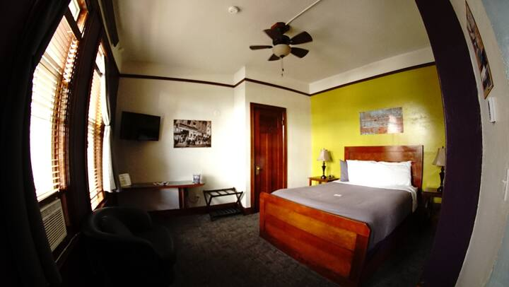 The Miner's Boutique Hotel Single Suite