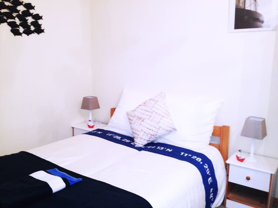Les p cheurs terrasse wifi port flats for rent in for Housse de couette translation