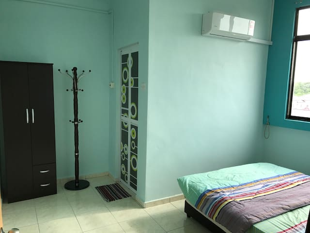 Apartment with 3 unit bedrooms and 2 toilets - Muar - Apartment