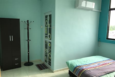 Apartment with 3 unit bedrooms and 2 toilets - Muar - Appartement