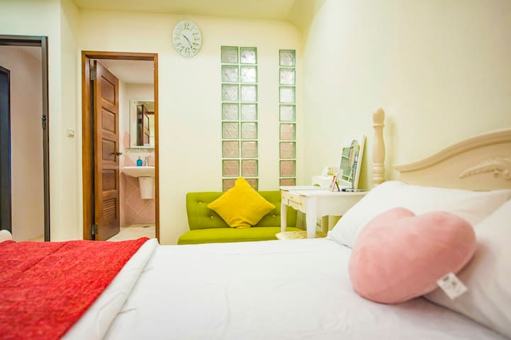 MRT Beitou 8 min, wifi, suite B nearby Hotspring - 北投區 - Hus